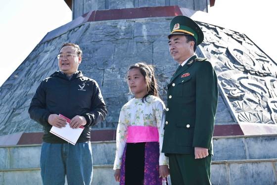 Tự hào lá cờ Việt Nam trên hành trình chinh phục miền biên ải ảnh 10