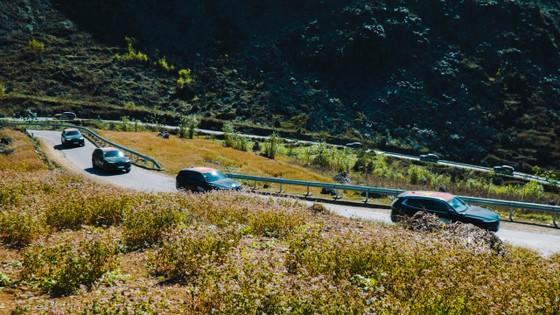 Hành trình Caravan kỷ lục khám phá vẻ đẹp vùng đất địa đầu tổ quốc ảnh 1