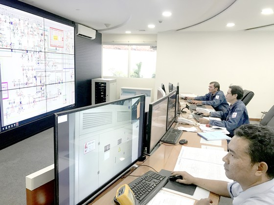 Tổng Công ty Điện lực TPHCM (EVNHCMC): Đảm bảo điện ổn định phục vụ Tết Dương lịch ảnh 1