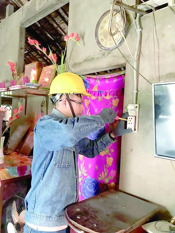 Tổng Công ty Điện lực TPHCM (EVNHCMC): Đảm bảo điện ổn định phục vụ Tết Dương lịch ảnh 4
