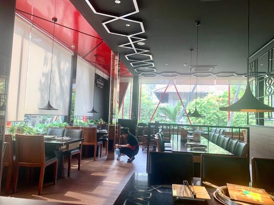 Nhà hàng, quán ăn vắng khách ảnh 1