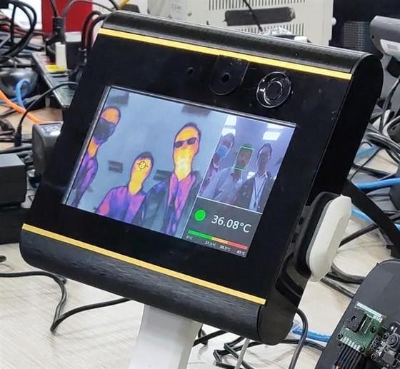 Vingroup bắt tay vào sản xuất máy thở và máy đo thân nhiệt ảnh 3