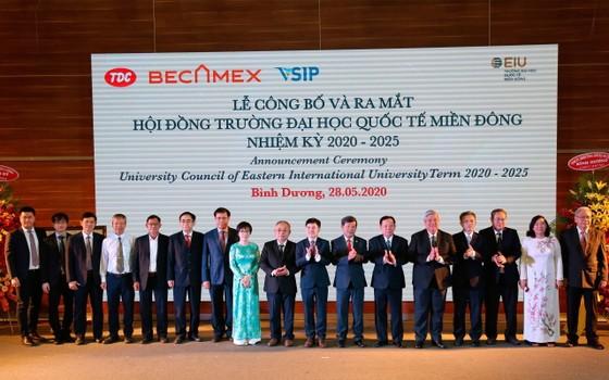 Trường Đại học Quốc tế Miền Đông được trao giấy chứng nhận kiểm định chất lượng giáo dục ảnh 1