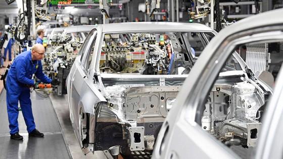 Ngành công nghiệp ô tô chật vật phục hồi sau dịch ảnh 1