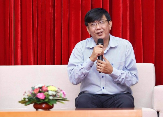 Trao 56 suất học bổng Nguyễn Văn Hưởng cho sinh viên ngành y ảnh 6
