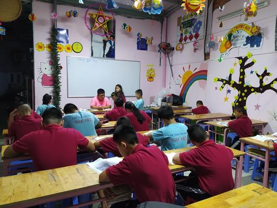 Lớp học tình thương cho trẻ em cơ nhỡ ảnh 1