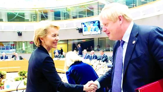 Anh và EU tháo gỡ bế tắc về Brexit ảnh 1