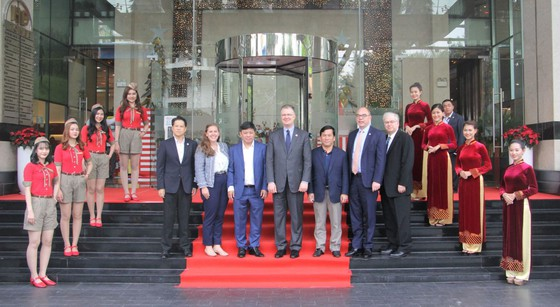 Đại sứ Hoa Kỳ thăm và làm việc với HDBank, Vietjet ảnh 1