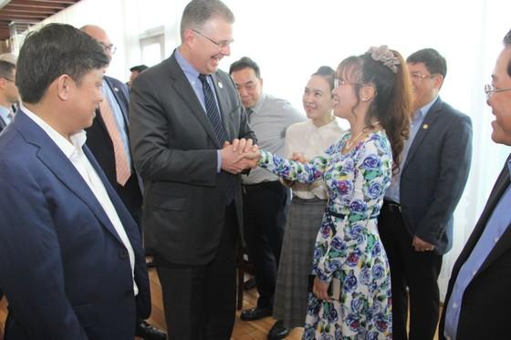 Đại sứ Hoa Kỳ thăm và làm việc với HDBank, Vietjet ảnh 2