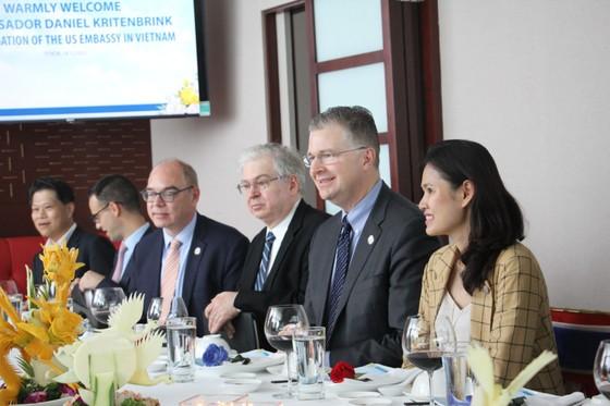 Đại sứ Hoa Kỳ thăm và làm việc với HDBank, Vietjet ảnh 3