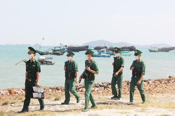 Phòng chống dịch Covid-19 ở biển đảo ảnh 1
