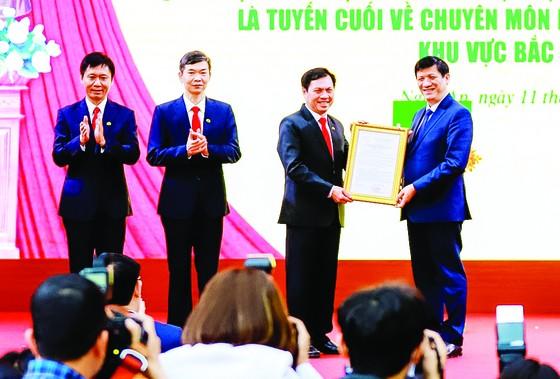 Chủ tịch Quốc hội Vương Đình Huệ thăm, làm việc tại Nghệ An ảnh 1