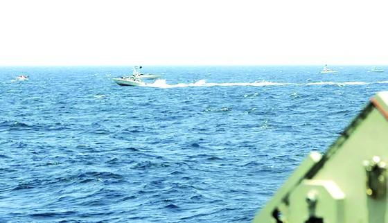Mỹ và Iran lại xung đột trên biển ảnh 1