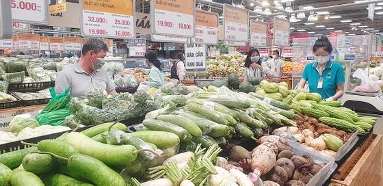 Chợ, siêu thị mua bán trở lại