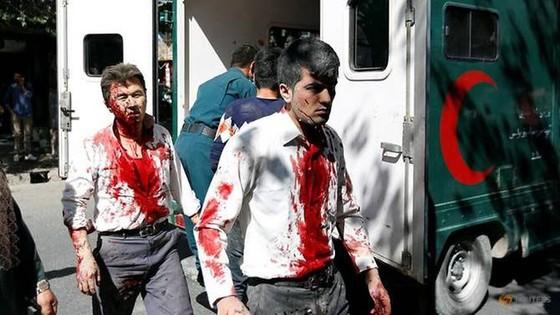 Đánh bom rung chuyển khu vực ngoại giao ở thủ đô Afghanistan ảnh 1