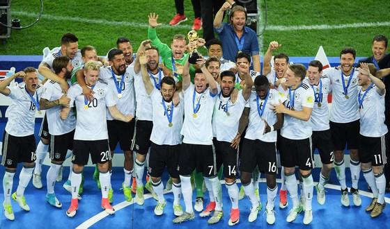 Đức đã vượt qua Chile, đoạt cúp Confederations Cup.