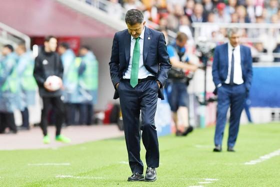 HLV Osorio thất bại cùng Mexico tại Confederations Cup 2017.