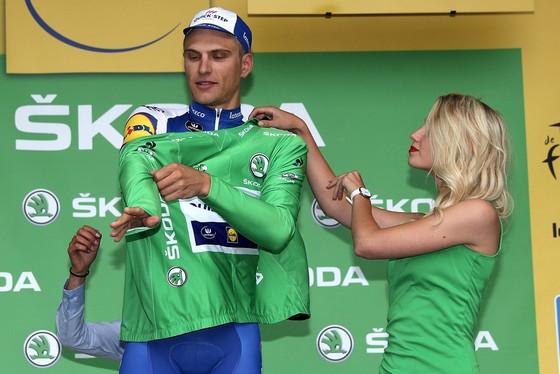 Marcel Kittel mặc chiếc Áo xanh lá cây dành cho Vua thắng chặng.