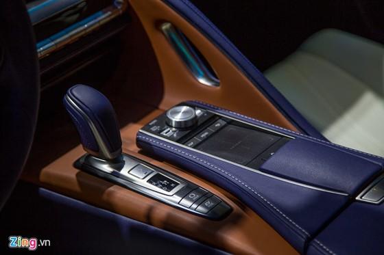 Lexus LC 500h: Coupe hang sang cho dai gia Viet hinh anh 10