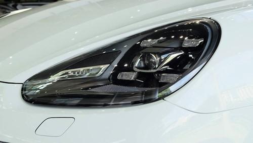 Porsche Cayenne phiên bản đặc biệt giá 5,3 tỉ đồng tại Việt Nam - ảnh 3