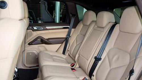 Porsche Cayenne phiên bản đặc biệt giá 5,3 tỉ đồng tại Việt Nam - ảnh 10