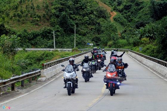 Hanh trinh 2.000 km xe doc mien Trung tren xe Kawasaki hinh anh 2