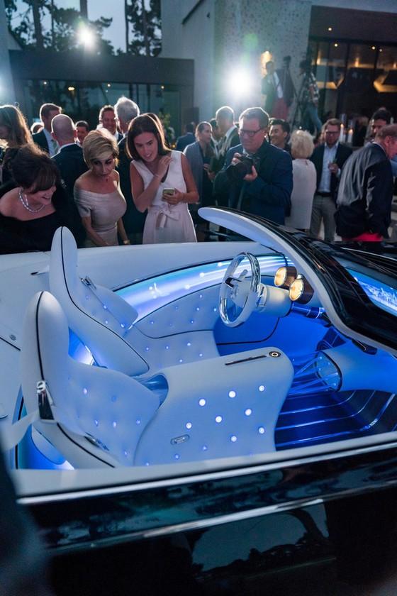 Chiêm ngưỡng vẻ đẹp xuất sắc của Vision Mercedes-Maybach 6 Cabriolet ngoài đời thực - Ảnh 10.