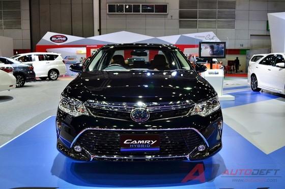 Toyota Camry 2017 được vén màn tại Đông Nam Á với trang bị tốt hơn - Ảnh 1.