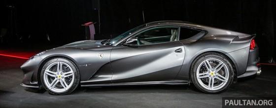 Siêu xe Ferrari 812 Superfast chính thức trình làng tại Đông Nam Á với giá chưa thuế 8,38 tỷ Đồng - Ảnh 5.