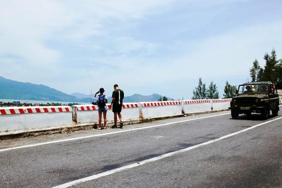 Cung đường cuốn hút nhất thế giới tại Việt Nam khiến nhiều người ngỡ ngàng - ảnh 13