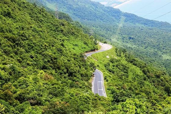 Cung đường cuốn hút nhất thế giới tại Việt Nam khiến nhiều người ngỡ ngàng - ảnh 14
