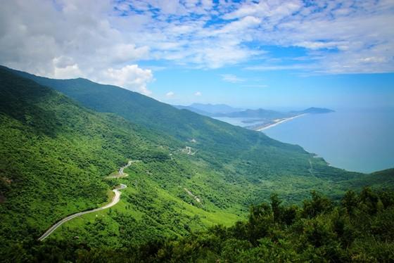 Cung đường cuốn hút nhất thế giới tại Việt Nam khiến nhiều người ngỡ ngàng - ảnh 25