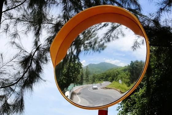 Cung đường cuốn hút nhất thế giới tại Việt Nam khiến nhiều người ngỡ ngàng - ảnh 27