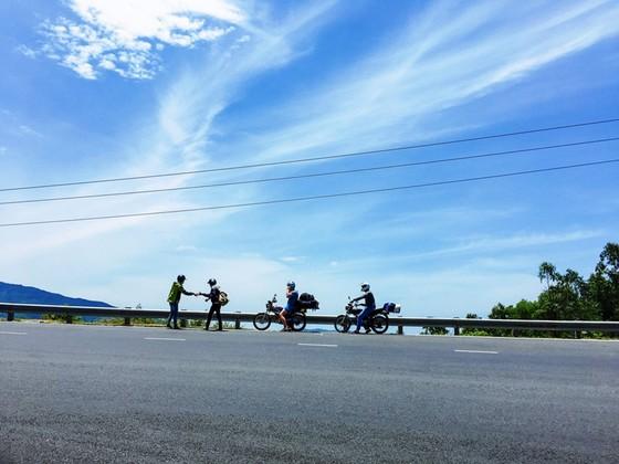 Cung đường cuốn hút nhất thế giới tại Việt Nam khiến nhiều người ngỡ ngàng - ảnh 28