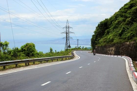 Cung đường cuốn hút nhất thế giới tại Việt Nam khiến nhiều người ngỡ ngàng - ảnh 6