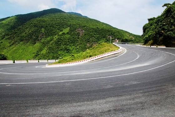 Cung đường cuốn hút nhất thế giới tại Việt Nam khiến nhiều người ngỡ ngàng - ảnh 7