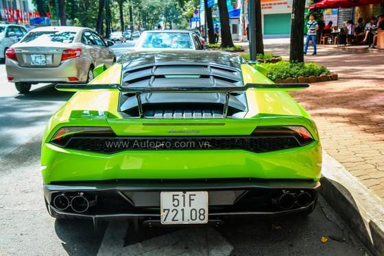 Lamborghini Huracan của bạn trai cũ nữ hoàng nội y Ngọc Trinh được độ khủng - Ảnh 21.