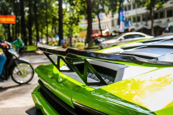 Lamborghini Huracan của bạn trai cũ nữ hoàng nội y Ngọc Trinh được độ khủng - Ảnh 11.