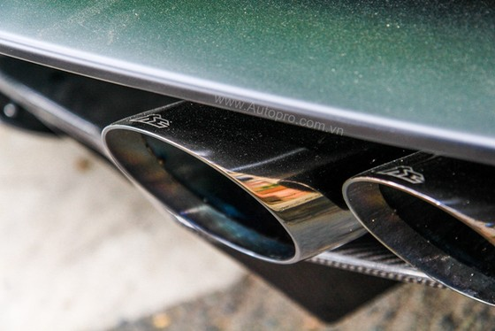 Lamborghini Huracan của bạn trai cũ nữ hoàng nội y Ngọc Trinh được độ khủng - Ảnh 13.