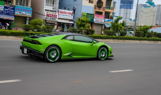 Lamborghini Huracan của bạn trai cũ nữ hoàng nội y Ngọc Trinh được độ khủng - Ảnh 17.