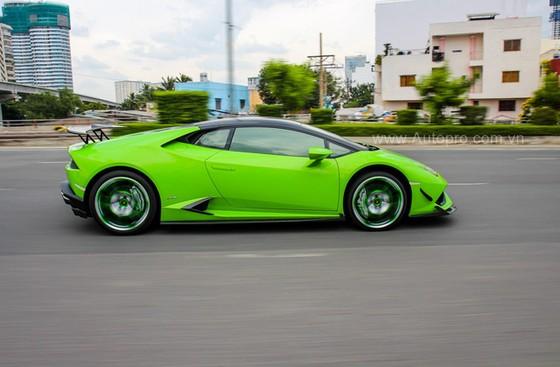 Lamborghini Huracan của bạn trai cũ nữ hoàng nội y Ngọc Trinh được độ khủng - Ảnh 12.
