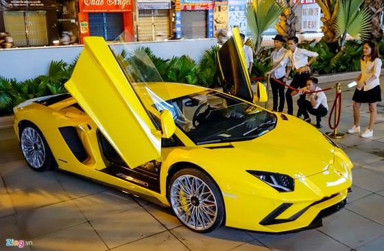 Lamborghini Aventador S hon 40 ty lan dau xuong pho Sai Gon hinh anh 10