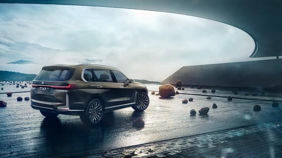 Diện kiến SUV hạng sang 7 chỗ BMW X7 iPerformance hoàn toàn mới - Ảnh 2.