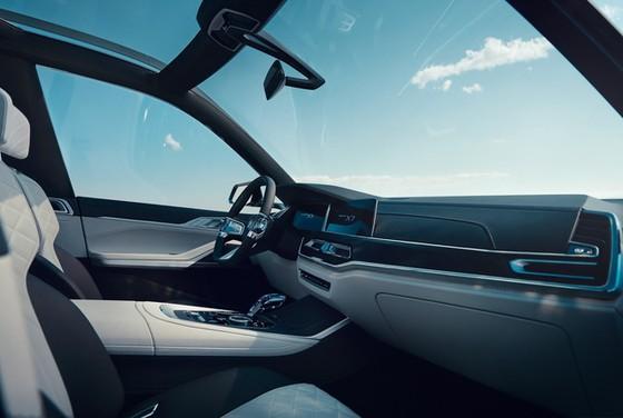 Diện kiến SUV hạng sang 7 chỗ BMW X7 iPerformance hoàn toàn mới - Ảnh 6.