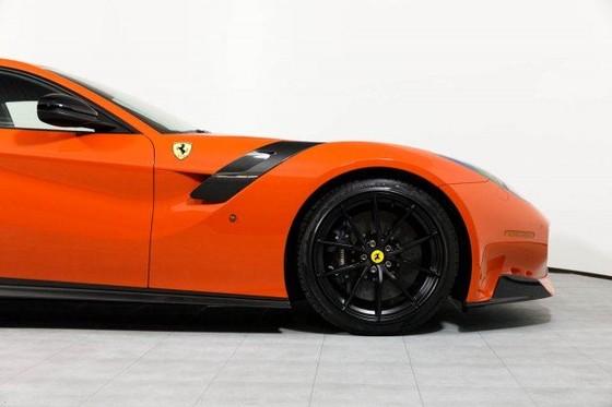 Vẻ đẹp của chiếc Ferrari F12tdf có giá bán siêu đắt đỏ trên thế giới, giá từ 31,8 tỷ Đồng - Ảnh 10.