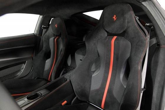 Vẻ đẹp của chiếc Ferrari F12tdf có giá bán siêu đắt đỏ trên thế giới, giá từ 31,8 tỷ Đồng - Ảnh 12.