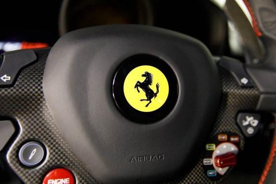 Vẻ đẹp của chiếc Ferrari F12tdf có giá bán siêu đắt đỏ trên thế giới, giá từ 31,8 tỷ Đồng - Ảnh 18.