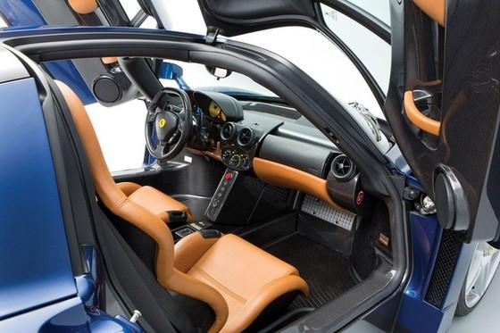 Hàng hiếm Ferrari Enzo với màu sơn cực độc được bán với giá 53,6 tỷ Đồng - Ảnh 8.