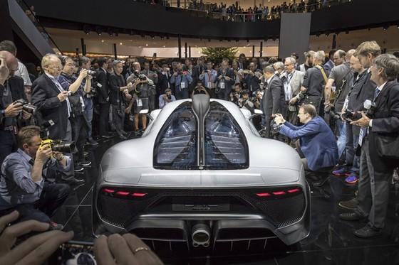 Vẻ đẹp xuất sắc của xe đua Công thức 1 đường phố Mercedes-AMG Project One ngoài đời thực - Ảnh 5.
