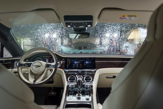 Coupe hạng sang Bentley Continental GT 2018 hăm hở ra mắt nhà giàu Đông Nam Á - Ảnh 12.